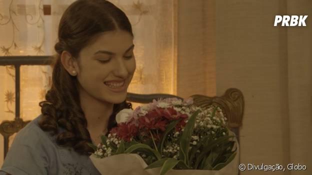 """Novela """"Êta Mundo Bom!"""", Gerusa (Giovanna Grigio) fica feliz com surpresa de Osório (Arthur Aguiar)"""