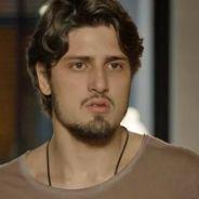 """Novela """"Totalmente Demais"""": Rafael (Daniel Rocha) é ameaçado por Lili após fotos com Eliza"""
