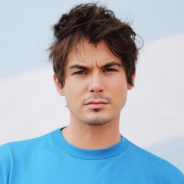 "De ""Pretty Little Liars"": Tyler Blackburn, o Caleb, posta foto pelado no Instagram e fãs piram!"