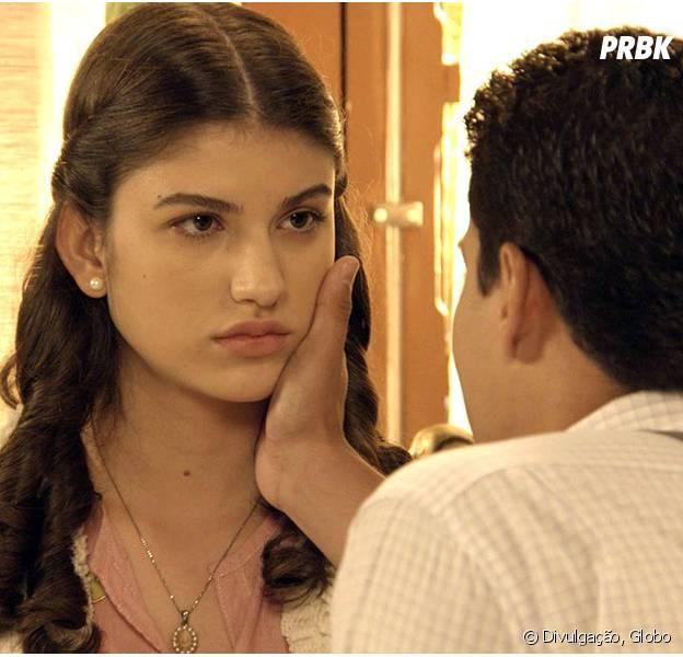 """Em """"Êta Mundo Bom!"""", Gerusa (Giovanna Grigio) se recusa a tomar remédios e exige saber verdade sobre doença!"""