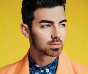 Vocalista da banda DNCE, Joe Jonas conta que atual fase tem muito mais liberdade!