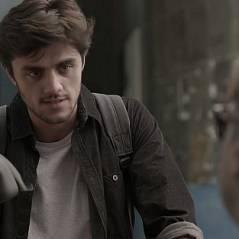 """Final """"Totalmente Demais"""": Jonatas (Felipe Simas) invade apartamento de Arthur por ciúmes de Eliza!"""