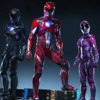 """Novo """"Power Rangers"""": uniformes dos protagonistas são revelados em nova foto. Confira!"""