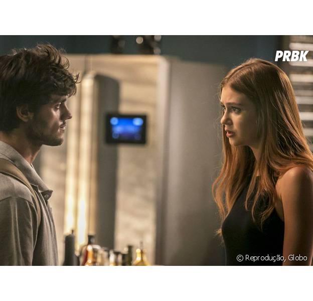 """Em """"Totalmente Demais"""": Jonatas (Felipe Simas) fica entre a vida e a morte e Eliza (Marina Ruy Barbosa) doa fígado para salvá-lo!"""