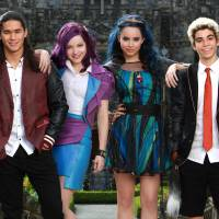 "Filme ""Descendentes 2"", da Disney, confirma Mal, Evie, Jay e Carlos e mais personagens!"