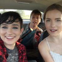 """De """"Scream"""": Willa Fitzgerald, Carlson Young e as melhores fotos do elenco da série da MTV!"""