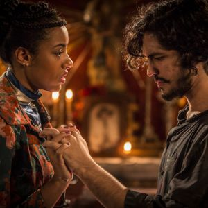 "Novela ""Velho Chico"": Miguel (Gabriel Leone) e Sophie reatam namoro!"