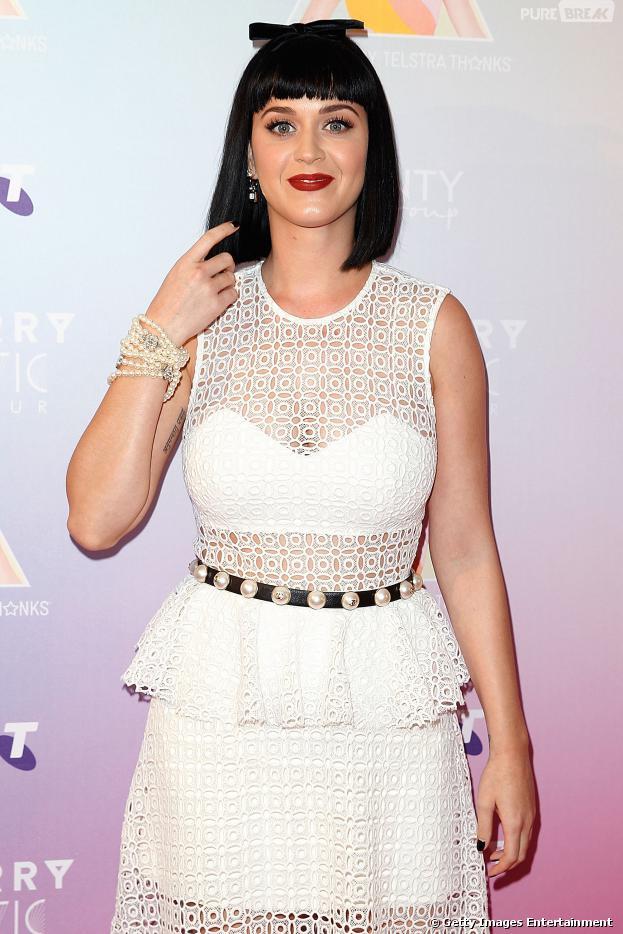 Katy Perry também está no álbum da Copa do Mundo