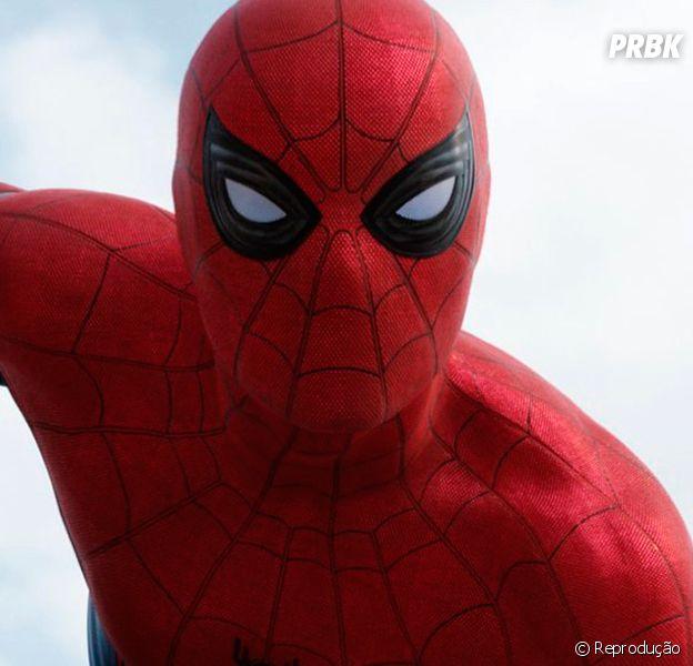 """Novo """"Homem-Aranha"""": Tom Holland, o Peter Parker, publica selfie para marcar exato um ano antes do filme!"""