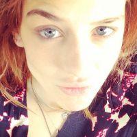 """Sophia Abrahão faz selfie sem maquiagem, descabelada e brinca: """"Cara de ontem"""""""