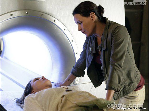 """Em """"Além do Horizonte"""", Tereza (Carolina Ferraz) não perdoa mesmo, ela colocará Angelique (Sabrina Greve) na máquina!"""