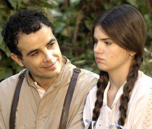 """Em """"Êta Mundo Bom!"""", Mafalda (Camila Queiroz) compra vestido de noiva e deixa Zé dos Porcos (Anderson di Rizzi) arrasado!"""