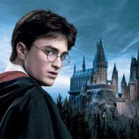 """De """"Harry Potter"""": J.K. Rowling anuncia mais três novos livros com histórias de Hogwarts"""