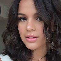 Bruna Marquezine diz que beijaria outra mulher em cena e foge de pergunta sobre Neymar Jr.