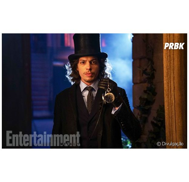 """Em """"Gotham"""", Benedict Samuel, o Chapeleiro Louco, compara série com """"The Walking Dead"""""""