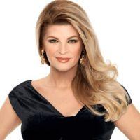 """Em """"Scream Queens"""": na 2ª temporada, Kirstie Alley se junta ao elenco com Taylor Lautner e mais!"""