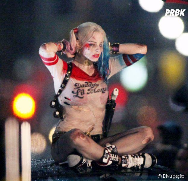 """Margot Robbie vive comentando que se tornou super fã de Arlequina, sua personagem em """"Esquadrão Suicida"""""""