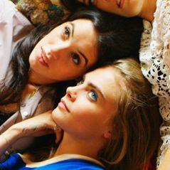 """Cara Delevingne, de """"Esquadrão Suicida"""", aparece em novo clipe do drama """"Kids in Love"""""""