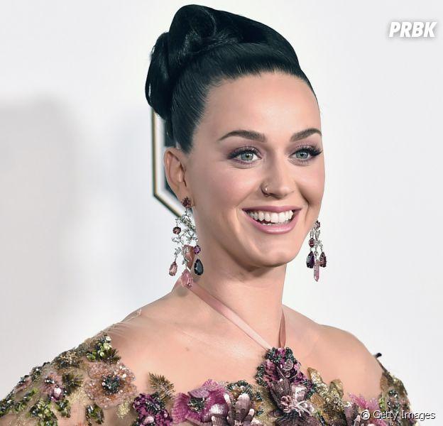 Katy Perry só vai lançar novo material em 2017? Cantora faz revelações no Twitter