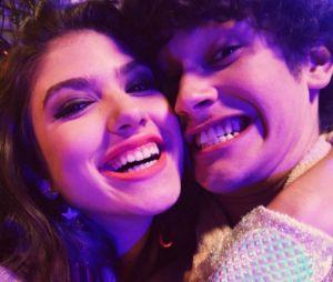 """Giovanna Grigio e Filipe Bragança, melhores amigos na vida real, dividiram a cena no filme """"Eu Fico Loko"""""""