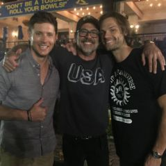 "De ""Supernatural"" e ""The Walking Dead"": Jensen Ackles e Jeffrey Dean Morgan brincam na internet!"