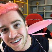 Luba pinta o cabelo de rosa, após revelar identidade do namorado misterioso!