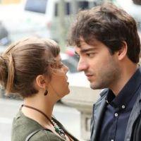 """Alice Wegmann, de """"A Lei do Amor"""", fala sobre o casal Isabela e Tiago: """"Ela se encantou por ele!"""""""