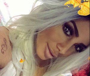 Anitta com cabelo platinado? Cantora apareceu com fios descoloridos no Instagram e causou