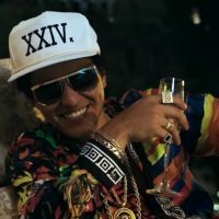 """Bruno Mars divulga tracklist do CD """"24K Magic"""" e deixa fãs animados para o lançamento oficial!"""