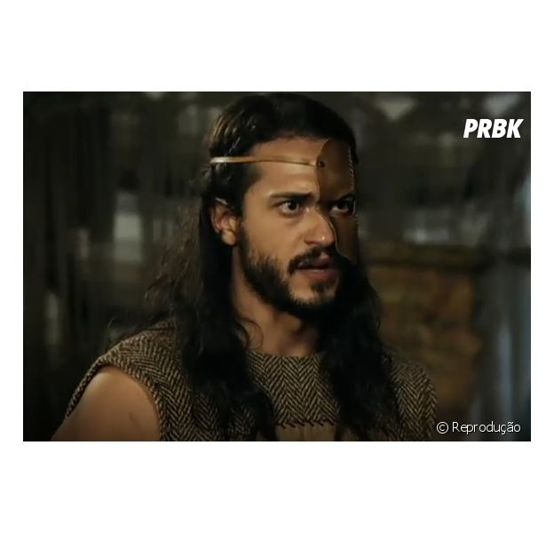 """Tobias (Raphael Vianna) havia sequestrado Zaqueu (Ricky Tavares) e será chicoteado em """"A Terra Prometida"""", novela da Record"""