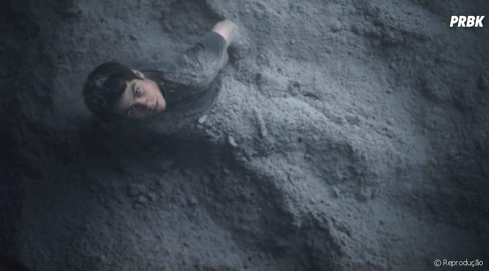 "Em ""Teen Wolf"", Stiles (Dylan O'Brien) se levanta das cinzas"