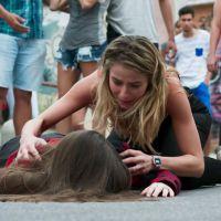 """Novela """"Malhação"""": Manuela (Milena Melo) é atropelada e Bárbara (Barbara França) se desespera!"""