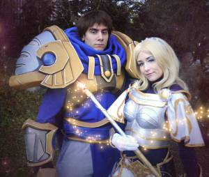 """League Of Legends"": Cosplay Garen e Lux"