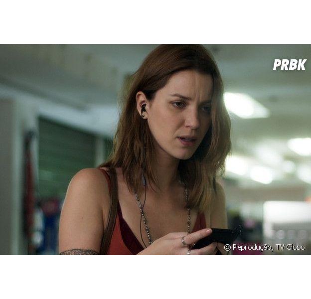 Júlia (Nathalia Dill) vai desmascarar Alex (Caio Paduan) e interromper planos do vilão de usar Vanda