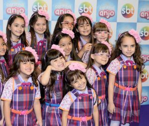 """Elenco jovem de """"Carinha de Anjo"""", novela do SBT,conquistou todo o público"""