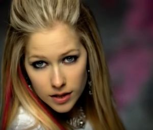 "Avril Lavigne - ""Girlfriend"""