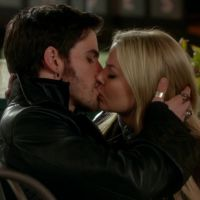 "De ""Once Upon a Time"", Jennifer Morrison fala de Hook e Emma!"