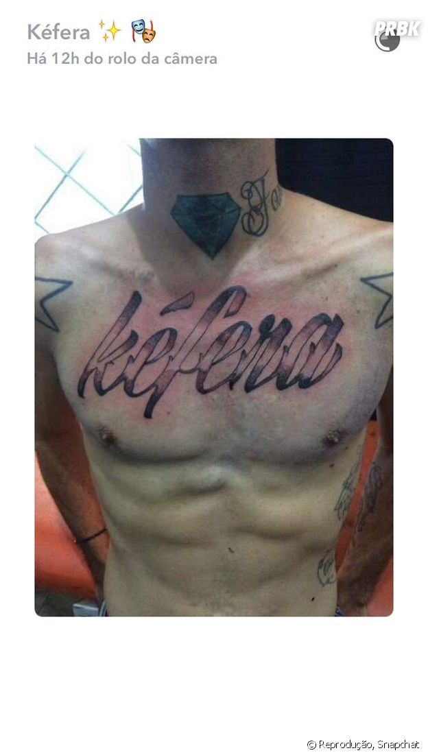 Fã de Kéfera Buchmann faz tatuagem para homenagear a youtuber