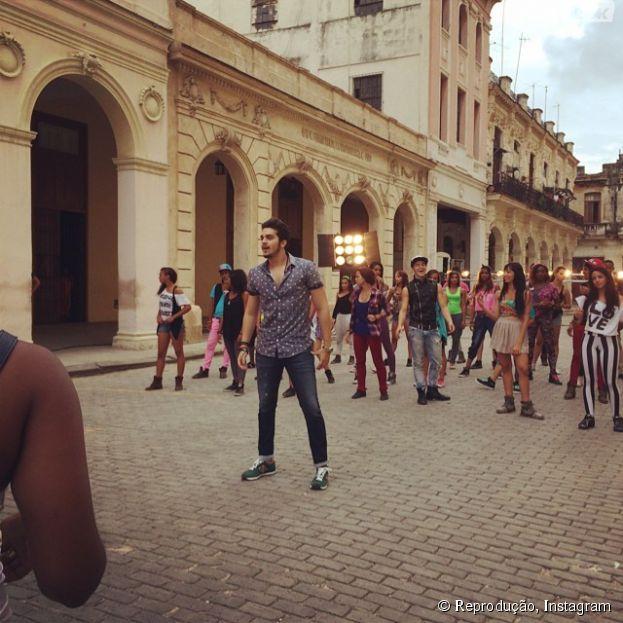 """Luan Santana posto foto gravando o clipe """"Bailando"""""""