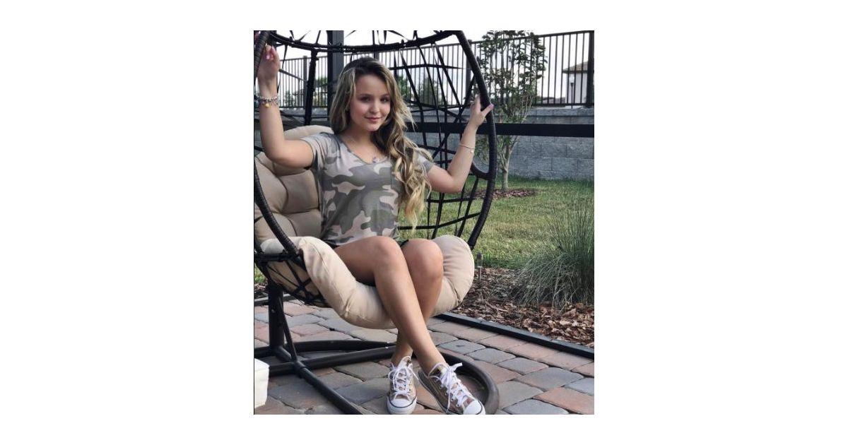 04f2a8331c12d Larissa Manoela fala sobre ser uma estrela do público adolescente