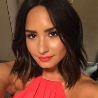 """Demi Lovato anuncia lançamento de """" No Promises"""", com Cheat Codes, para próxima sexta-feira (31)"""