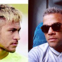 Neymar muda o visual, pinta o cabelo de loiro e Daniel Alves o acompanha