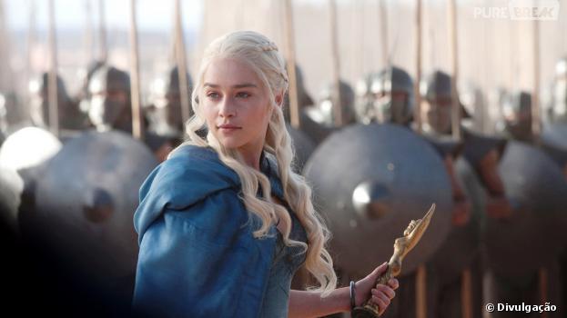 "Emilia Clarke interpreta Daenerys Targaryen no seriado ""Game of Thrones"""