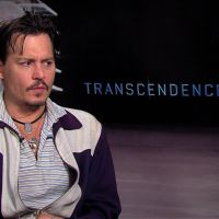 """De """"Transcendence"""": Johnny Depp fala de dilemas da tecnologia em vídeo exclusivo"""