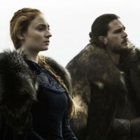 "Em ""Game of Thrones"": na 7ª temporada, Jon Snow (Kit Harington) e Sansa lutam pelo poder!"