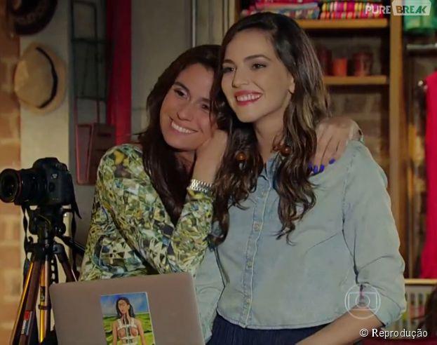 """Na novela """"Em Família"""", Clara (Giovanna Antonelli) e Marina (Tainá Müller) vão ter uma cerimônia de casamento"""