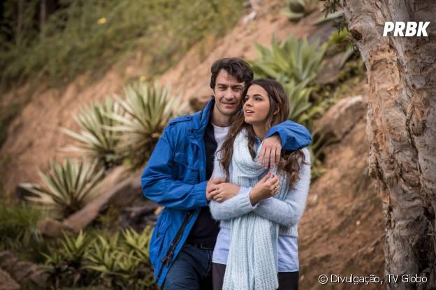 """Luiza (Bruna Marquezine) se apaixonou pelo ex da mãe: Laerte (Gabriel Braga Nunes) na novela """"Em Família"""""""