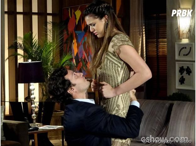 """Apesar das barbaridades, Luiza (Bruna Marquezine) sempre perdoa os ciúmes de Laerte (Gabriel Braga Nunes) na novela """"Em Família"""""""