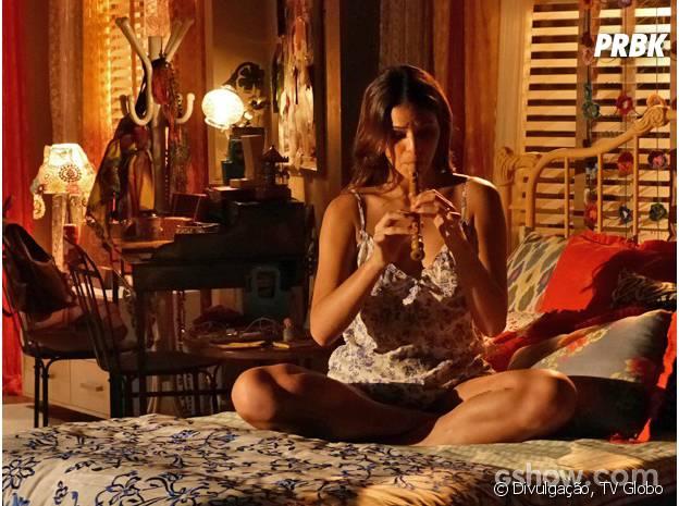 """Na trama de """"Em Família"""", Luiza (Bruna Marquezine) largou a faculdade para se dedicar à flauta"""