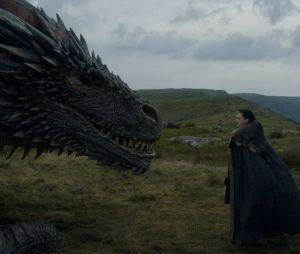 "De ""Game of Thrones"": Jon Snow (Kit Harington) interage com dragão de Daenerys (Emilia Clarke)"